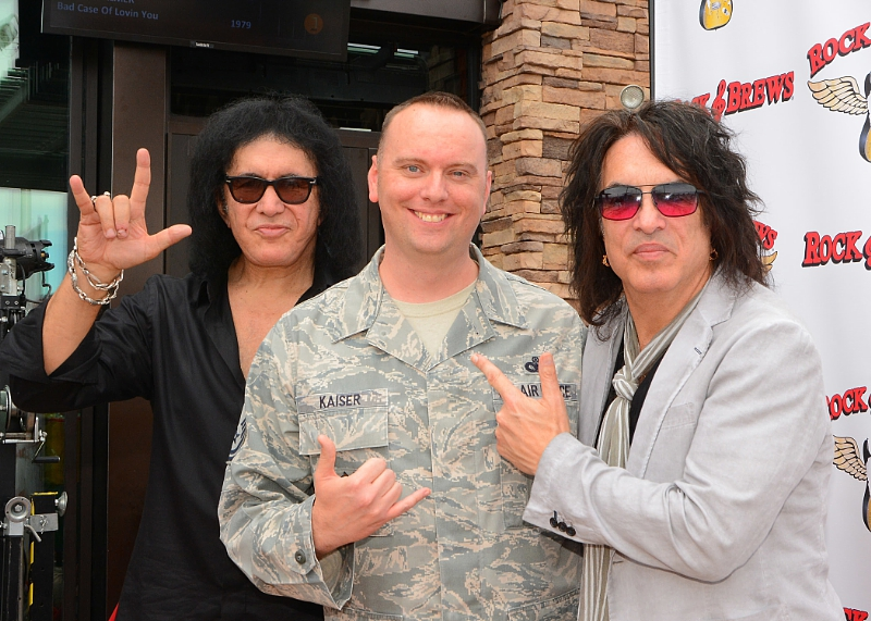 Gene Simmons and Paul Stanley are honoring veterans and first responders this Veterans Day at Rock & Brews locations nationwide. (PRNewsFoto/Rock & Brews)